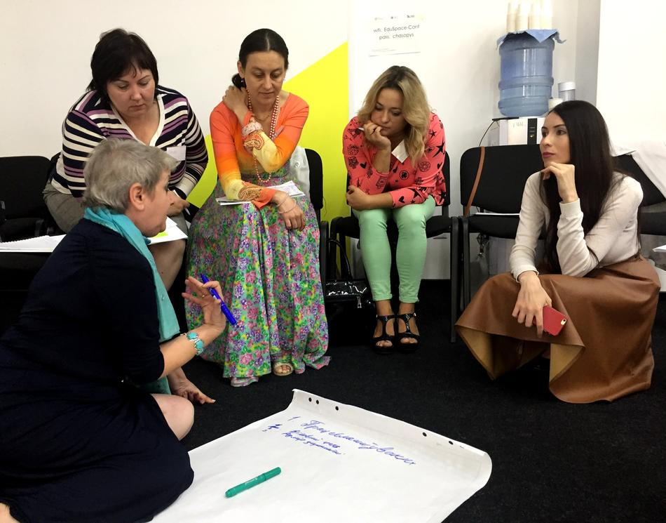 "​On September 15, 2017 took place a training ""Women - Leaders of Changes in Local Communities"" for the representatives of Kyiv city"